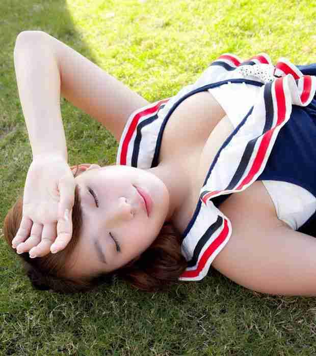 最胸美少女筱崎爱高清泳衣写真(图1)