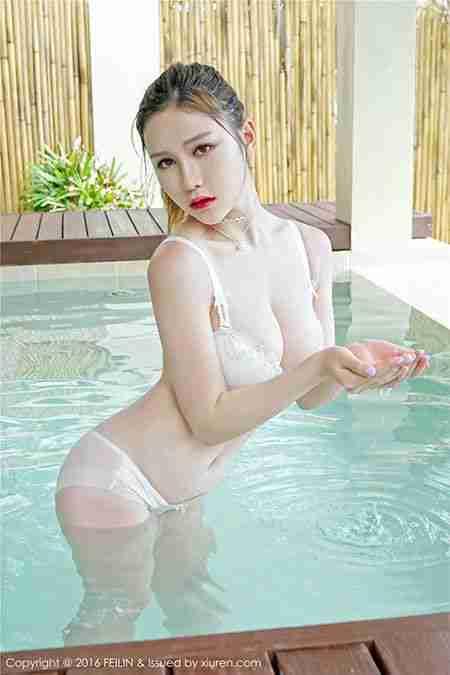 大胸内衣模特于姬Una湿身写真