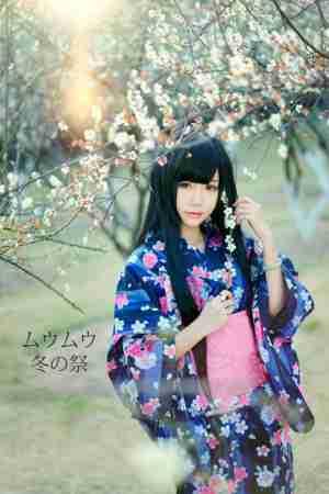 清纯小美女和服冬祭写真