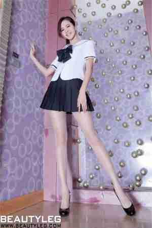 Beautyleg腿模Olivia变身粉嫩学生妹
