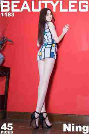 长腿女孩Ning私房短裙丝袜写真
