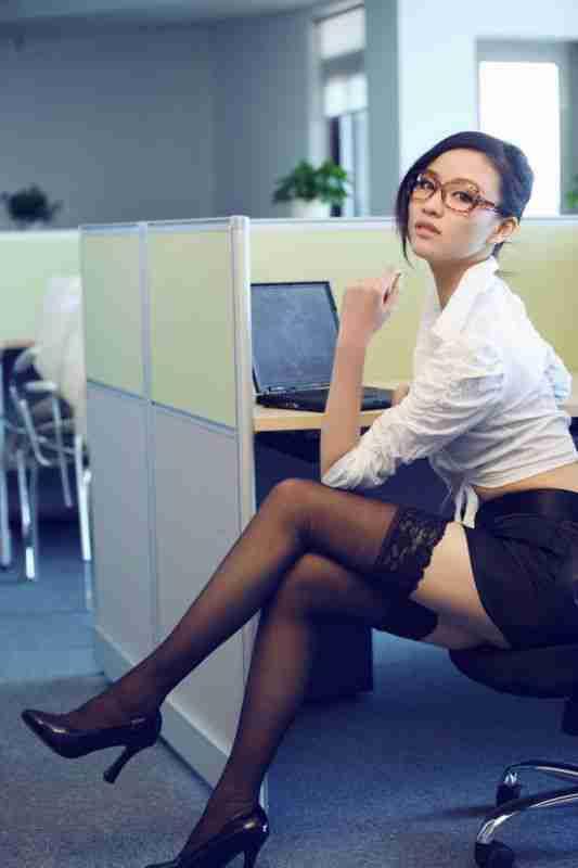妩媚美背制服美女私房丝袜迷人写真