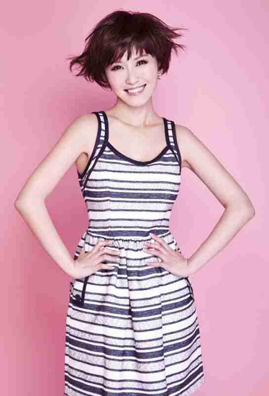 台湾短发女生徐洁儿高清可爱写真