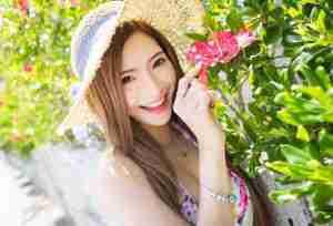甜美女孩Nikki小虺迳旅拍比基尼写真