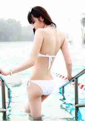 极品泳池比基尼美女诱惑写真