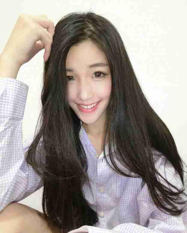 治愈系微笑美女Ivy Kuang私拍美照