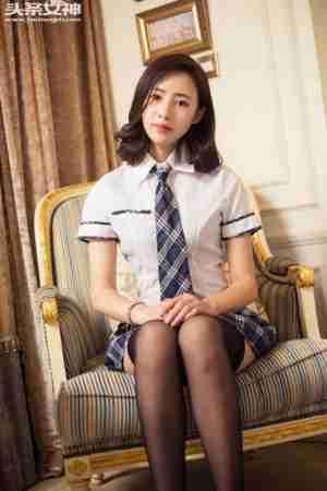 学生妹模特甄甄制服私房高清图片