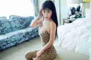 美女Rita豹纹全裸诱惑高清美女图片