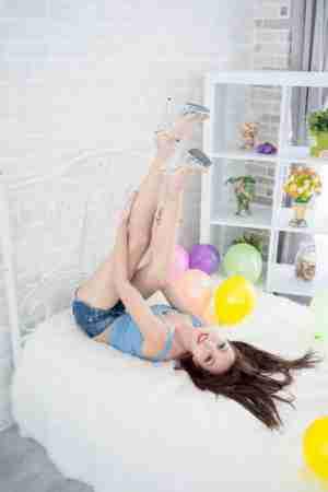 模特美女Emma美腿玉足高跟写真