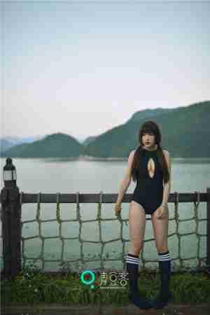 彰显性感清纯气质杂志美妆 妄撮美女衣服写真集