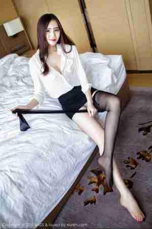 性感御姐SISY思黑色丝袜诱惑写真