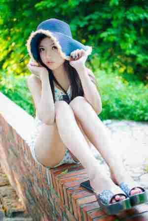 清纯美女户外唯美清凉写真