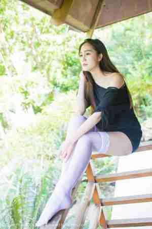 性感尤物SISY思白色丝袜性感写真
