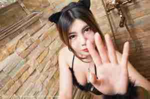 巨乳美女沐子熙V人体摄影图片