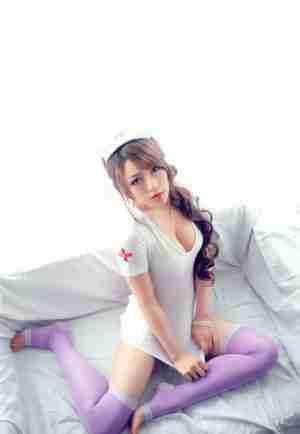 G罩杯性感小护士野性写真_0