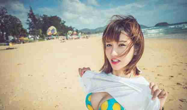 大胸妹子k8傲娇萌萌海边比基尼可爱迷人