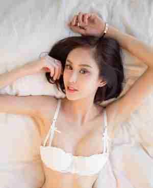 性感美女沐伊白丝爆乳诱惑大尺度性感写真