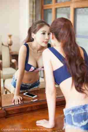 晒美女网:甜美美女吕婉柔Angelin比基尼写真