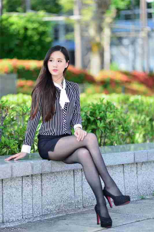新任女秘书 小米 持续更新(3)