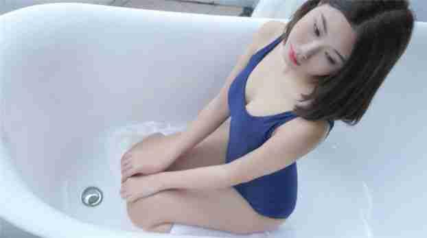 浴缸美女连体泳衣丝袜性感私房写真
