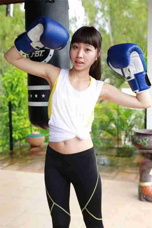 日本素人美女Miku Takaoka 高未 スポ`ツ