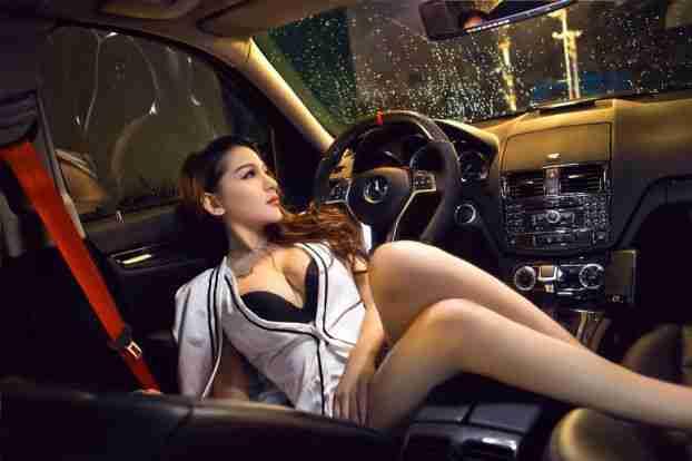 性感好身材美女车模