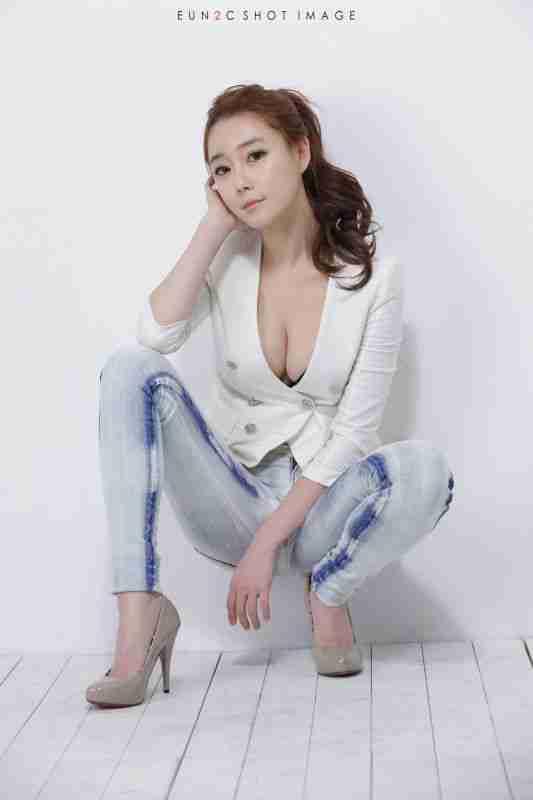 韩国牛仔裤美女