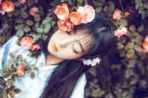 日本95后刘海美女和服写真