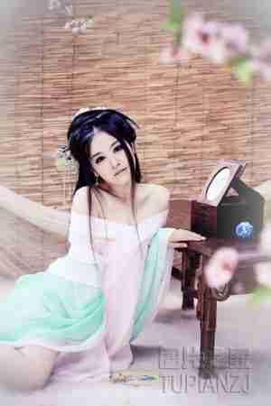 女孩古装照 娇艳性感如梦如幻