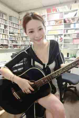 陈梦晨Mornin- E奶南半球歌手微热女孩