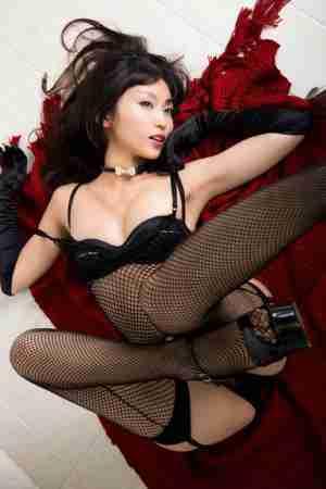 极致诱惑美女吉木梨纱白嫩巨乳性感身材人体写真