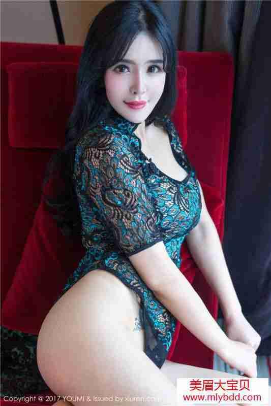 黑色血滴子服饰让诱人曲线一览无遗性感女神刘钰儿镂空写真