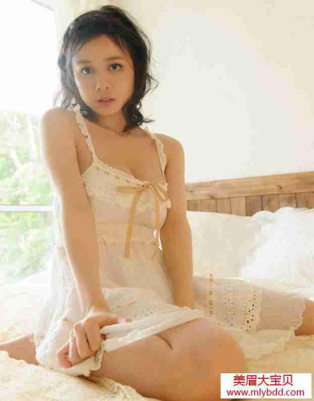 美胸模特吉川室内写真
