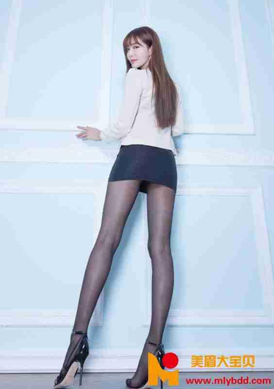 豪乳少-妇秀丝袜大长腿