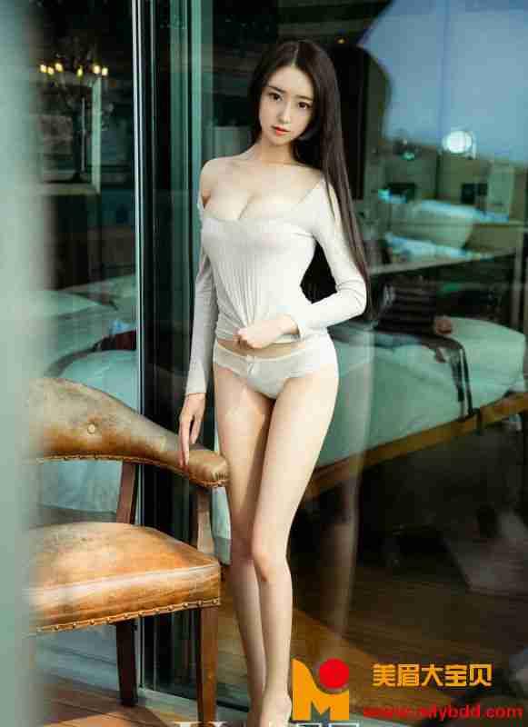 白嫩美女少妇李宝儿诱惑私房性感身材