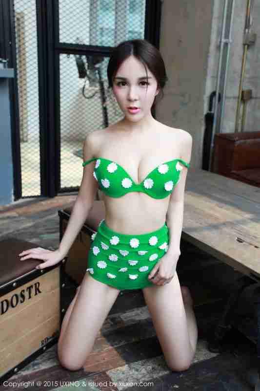 Candy刘美辰 - 绿色清新比基尼写真套图