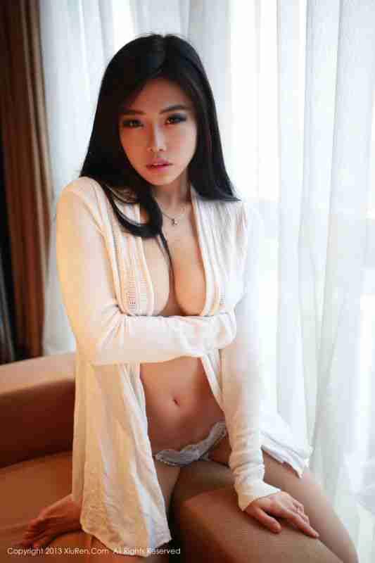 人气火爆的大叔女神@luvian本能-深圳之行套图