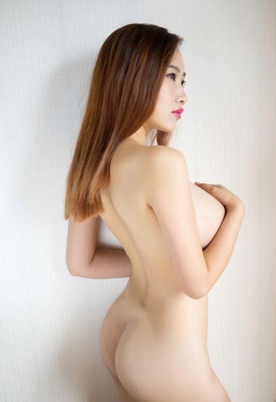 美女李七喜风韵爆乳性感私房图片