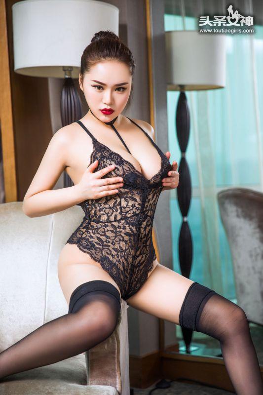 桃美洋子 - 宫廷巨乳 写真图片