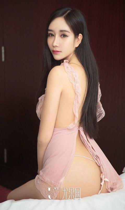 翘臀美女Yina - 诱人的发梢