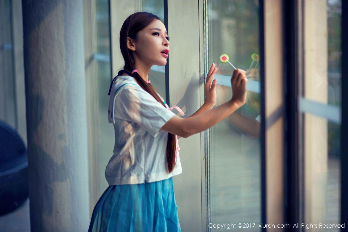 靓女艾小青 - 日系学生服+人体泡沫