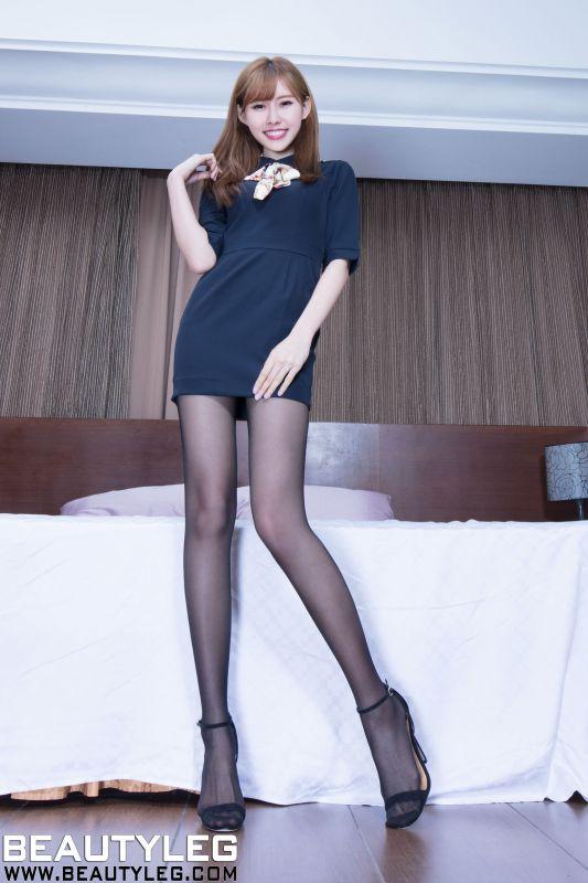 Queenie - 丝袜美腿高跟写真