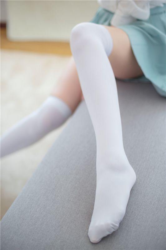 白色丝袜的小清新写真