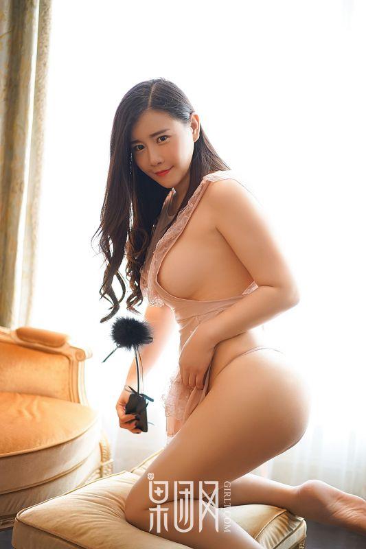 王婉悠 - 酥胸美臀,透视诱惑 写真套图