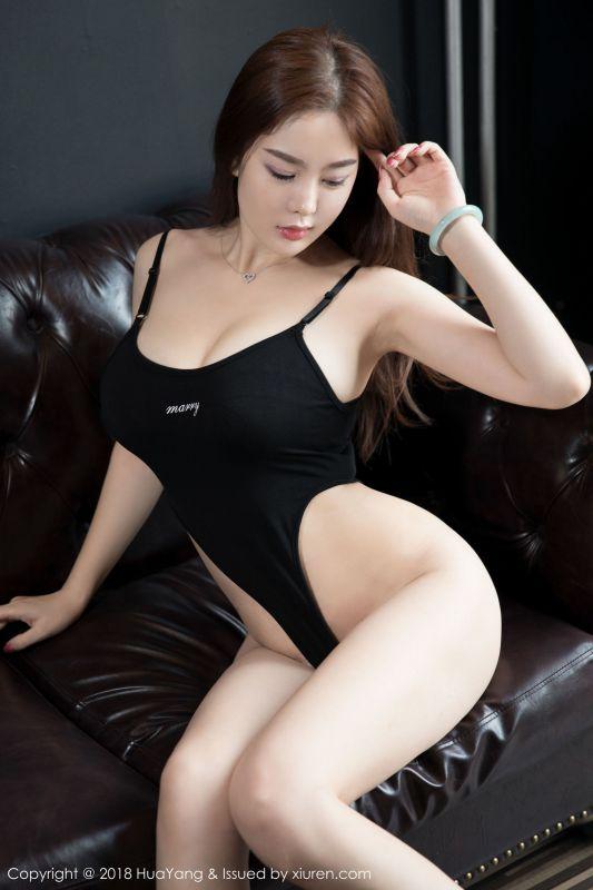 屏霸女神@易阳Silvia性感写真