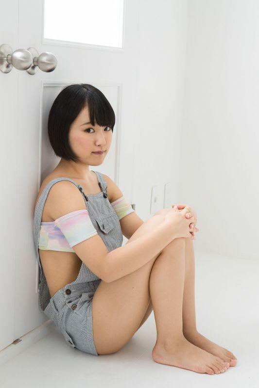 香月りお - 短发萌妹子写真