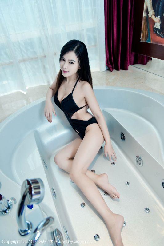 丁筱南 - 浴室诱惑 写真图片