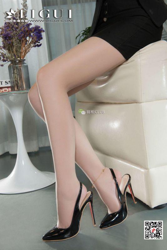 Model 心怡 美腿丝足写真套图