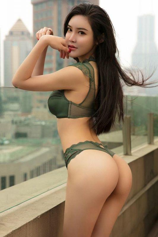 楼顶少女美乳翘臀甚是勾魂[39P]