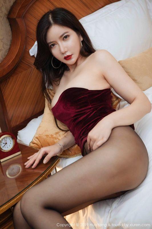 女神心妍小公主私房黄色情趣内衣遮三点秀豪乳喷血诱惑写真[30P]